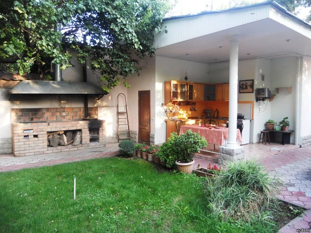 гараж с кухней под одной крышей фото
